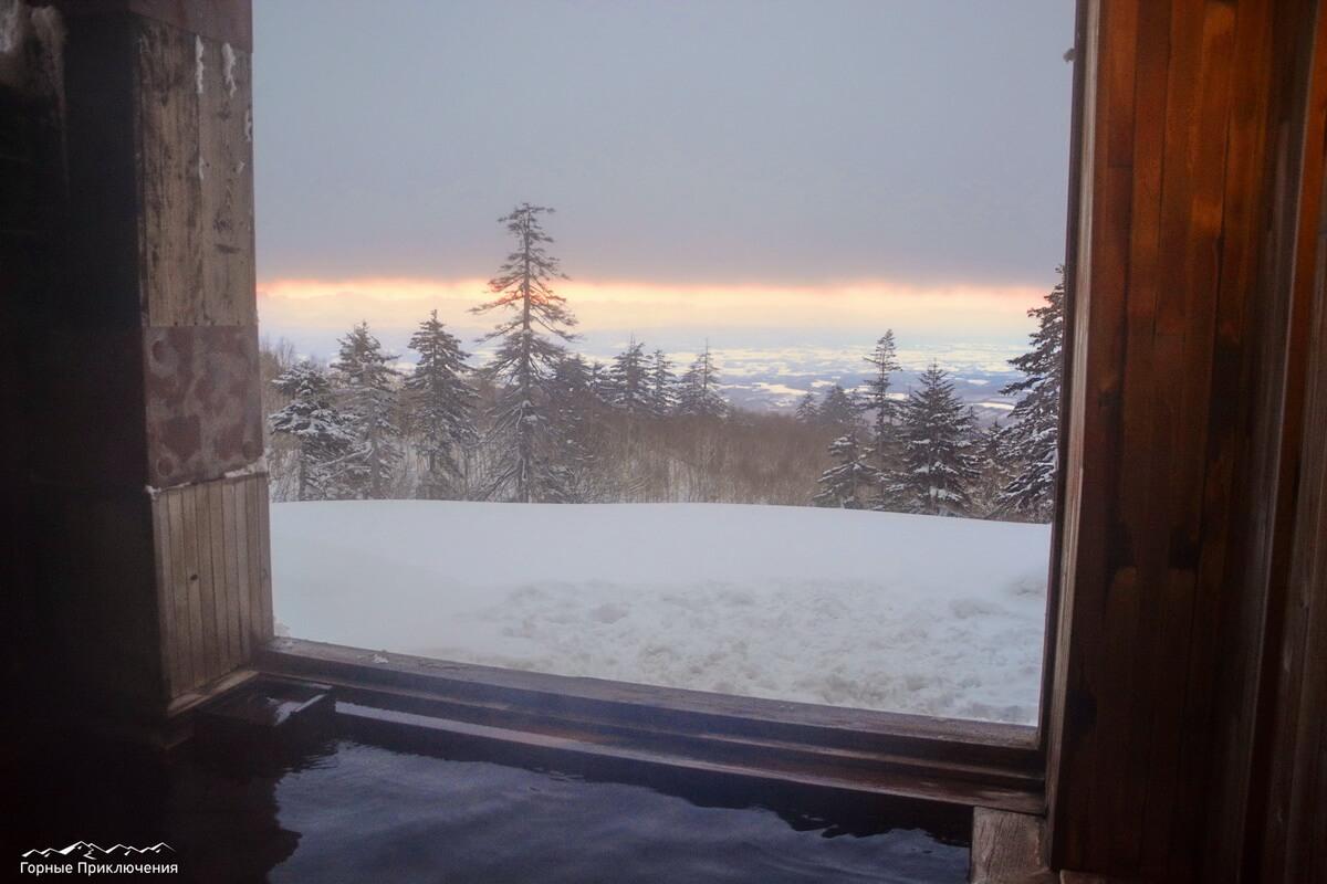 Онсен в Токасидаке, с видом на закат