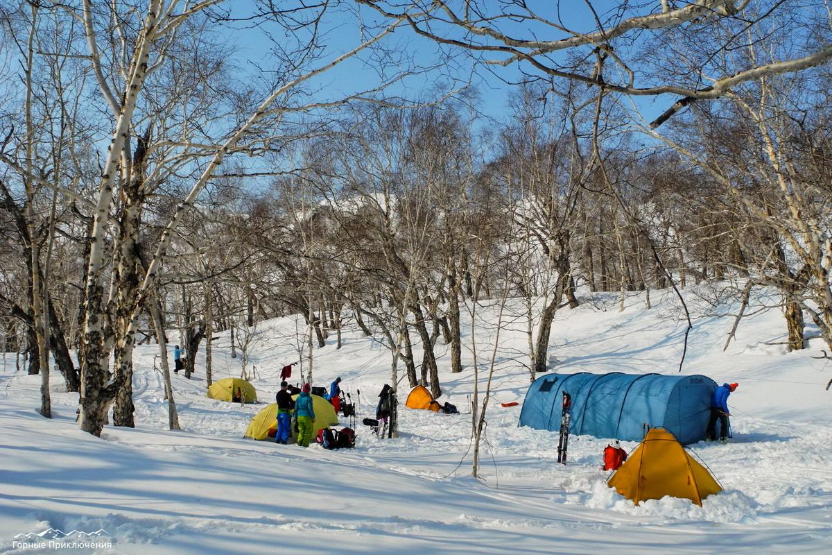 Палаточный лагерь в долине реки Вактан Ганальский