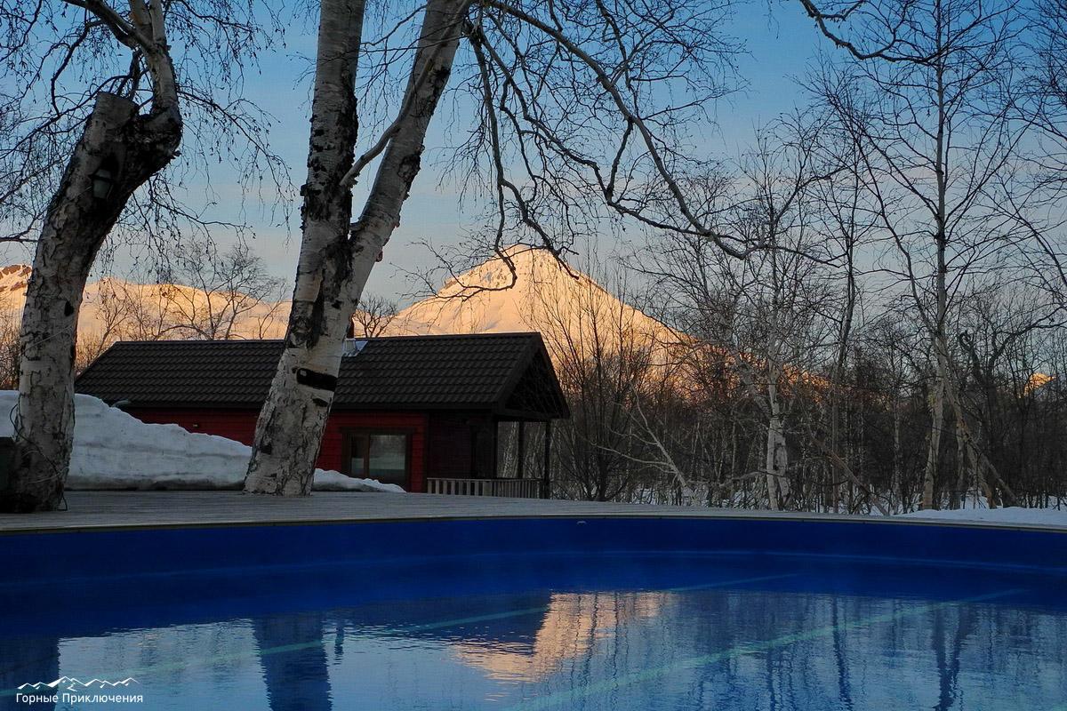 Термальный бассейн в гостинице Снежная Долина