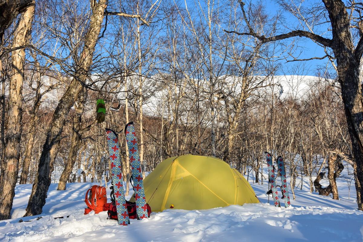 Палаточный лагерь в районе Ганальских Востряков